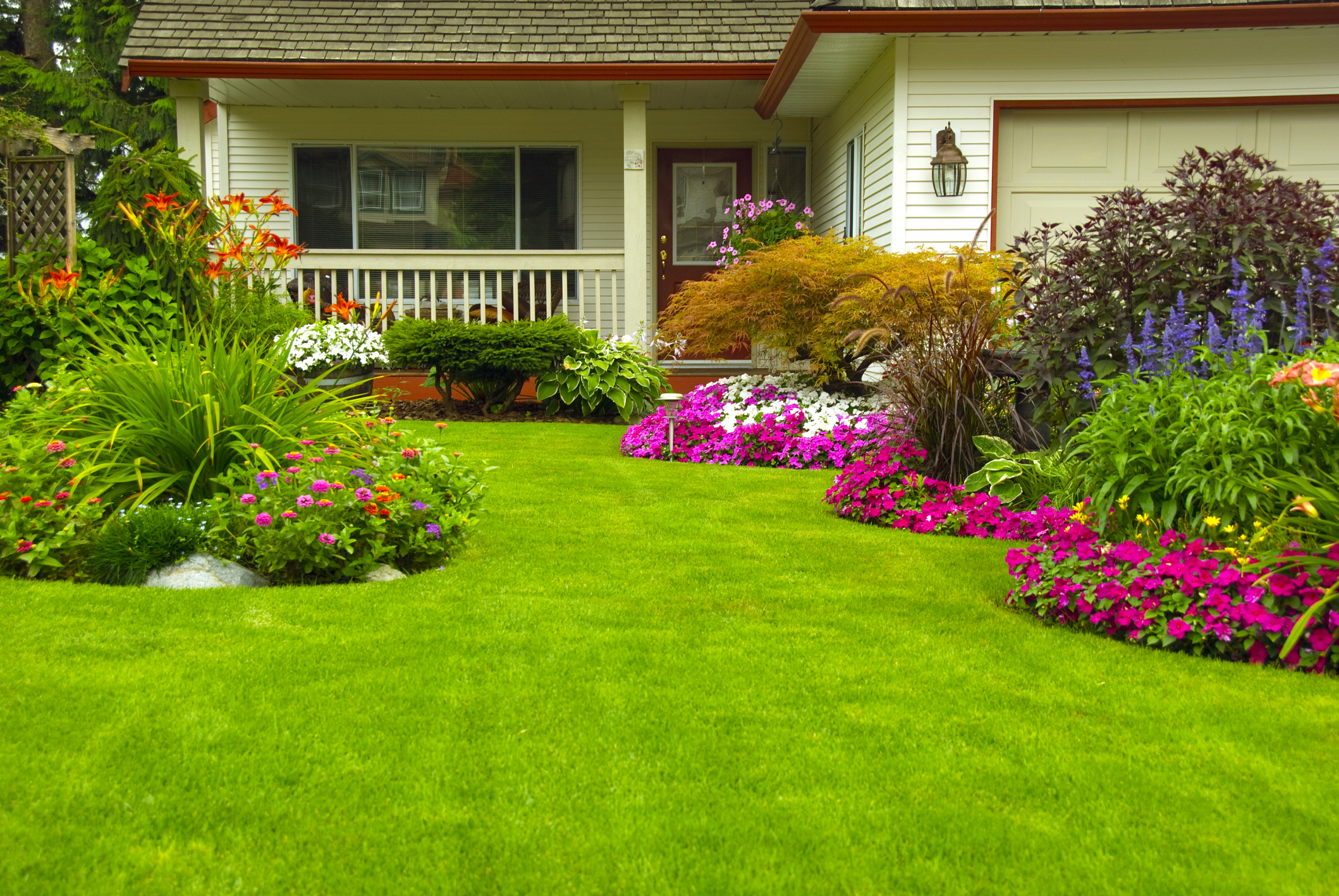 5 finishing touches to class up your landscaping for Finishing touches landscaping